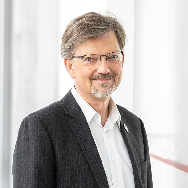 Uwe Köhler at CAY SOLUTIONS
